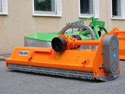 trituradora reversible desplazable puma 140 rev para tractor frutero