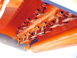 trituradora de martillos rino 160 con desplazamiento hidraulico