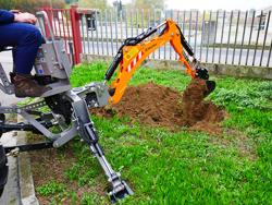 mini excavadora universal para tractores compactos dk 950