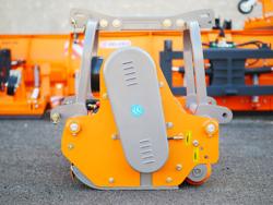 desbrozadora de martillos reversible uso frontal para tractor mod rino 200 rev