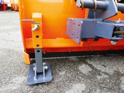 pala quitanieves frontal con placa para tractor ln 250 a