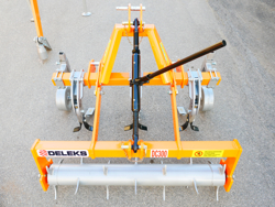 subsolador para tractor de tres brazos con rodillo trasero dc300