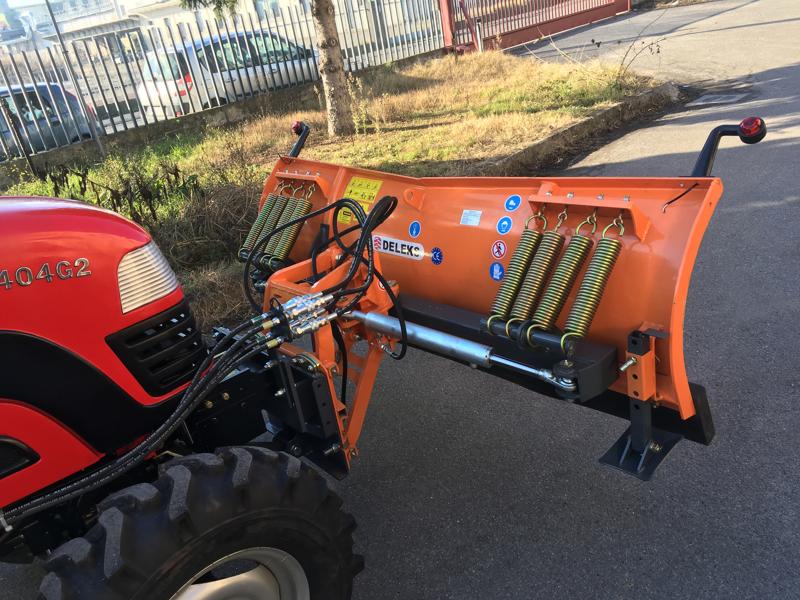 pala-quitanieves-frontal-con-placa-para-tractor-ln-175-a