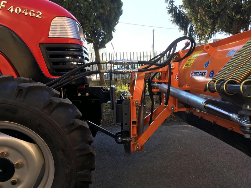 pala-quitanieves-frontal-con-placa-para-tractor-ln-220-a