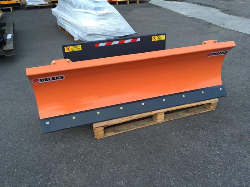 pala-quitanieves-ligera-para-cargadoras-compactas-lns-150-m