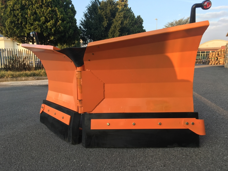 pala-quitanieves-para-cargadoras-compactas-hasta-3-0-toneladas-lnv-220-m