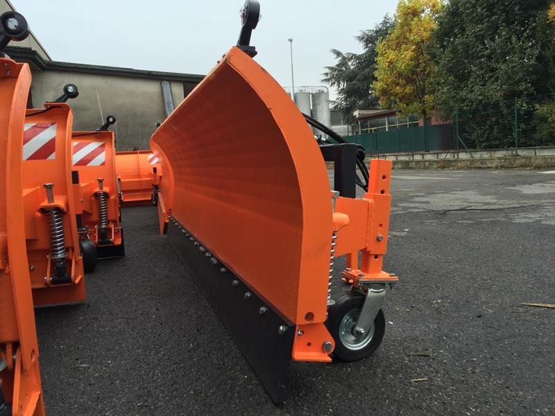 pala-quitanieves-para-tractor-con-cargador-frontal-ssh-04-2-6-e