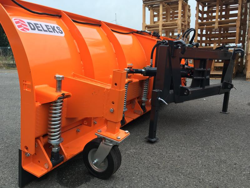 pala-quitanieves-para-tractor-con-cargador-frontal-ssh-04-3-0-e