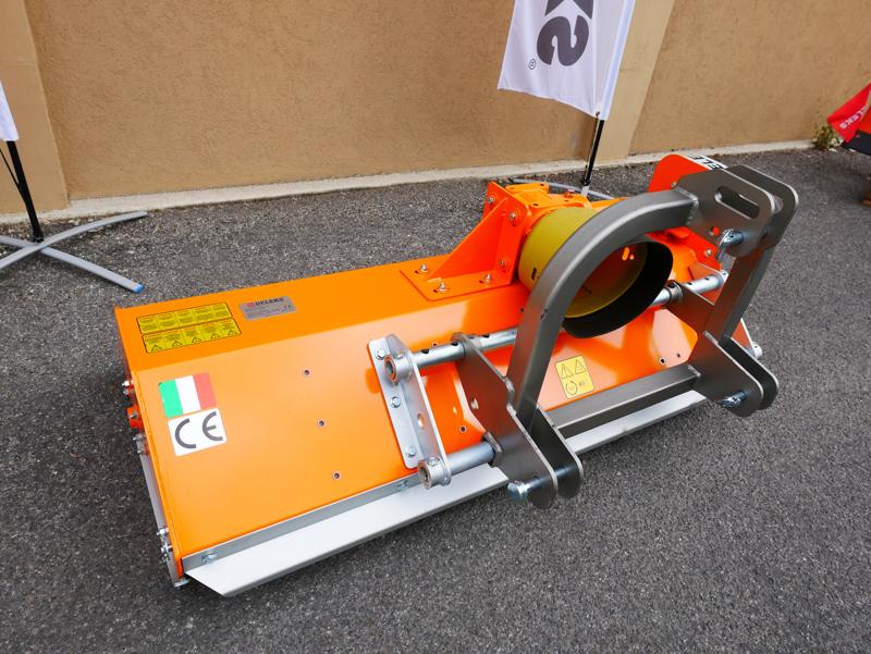 trituradora-de-martillos-lince-sp100-desplazable-para-kubota-iseki