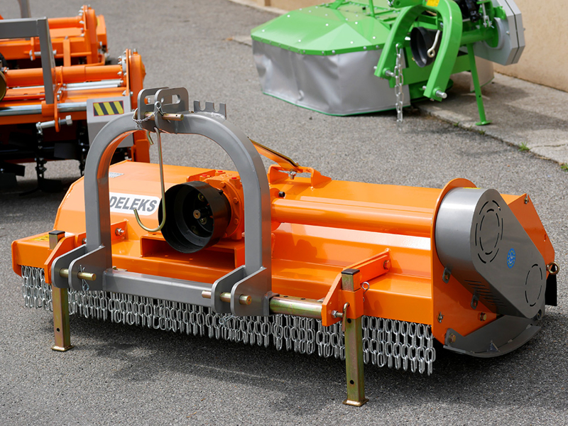trituradora-de-martillos-tigre-160-para-sarmentos-de-vina-olivo