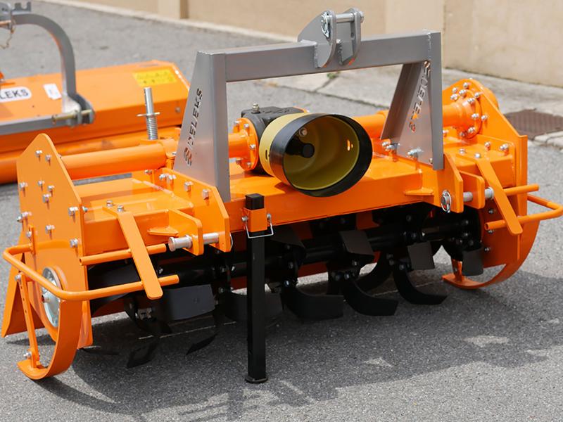 fresadora-profesional-para-tractor-anchura-de-trabajo-180cm-mod-dfh-180