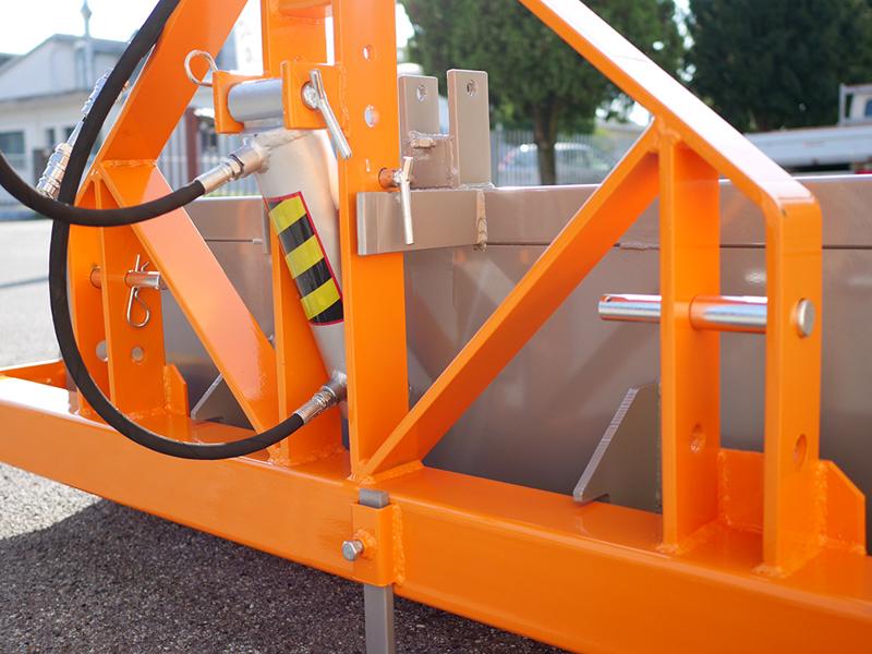 pala-reforzada-de-2-metros-piston-hidraulico-para-tractor-mod-pri-200-h