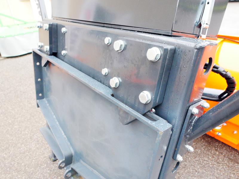 pala-quitanieves-frontal-con-placa-para-tractores-ssh-04-2-6-a