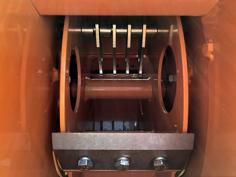 trituradora-de-ramas-dk-1300-para-tractor-con-rodillo-de-alimentacion-hidraulico