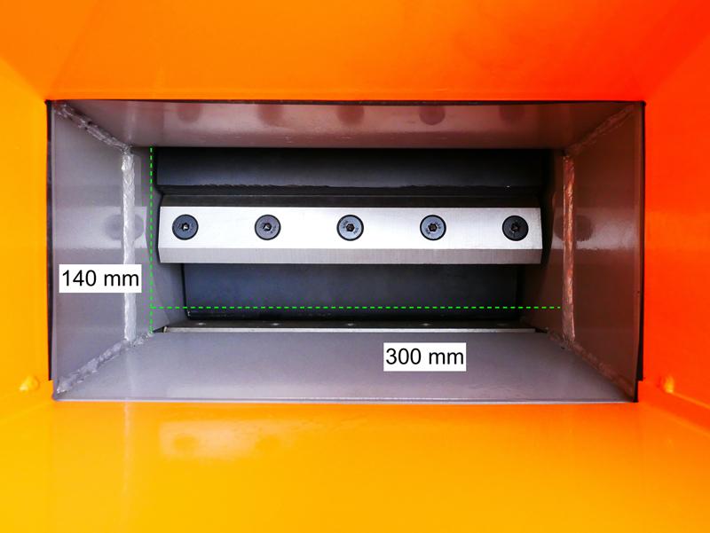 trituradora-de-ramas-térmica-dk-800-b-amp-s-con-motor-independiente-15cv
