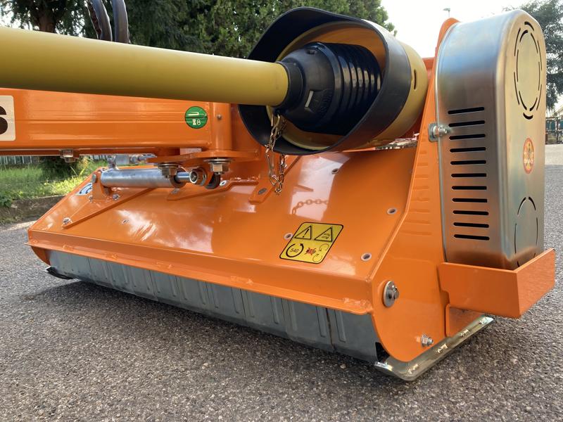 desbrozadora-de-brazo-polivalente-ligera-para-tractor-mod-volpe-140